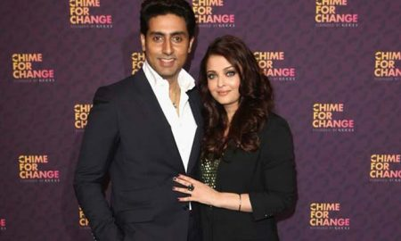 abhishek-bachchan-and-aishwarya-rai-bachchan-pose-backstage-in-the-media-room-at-the-chime-for-change