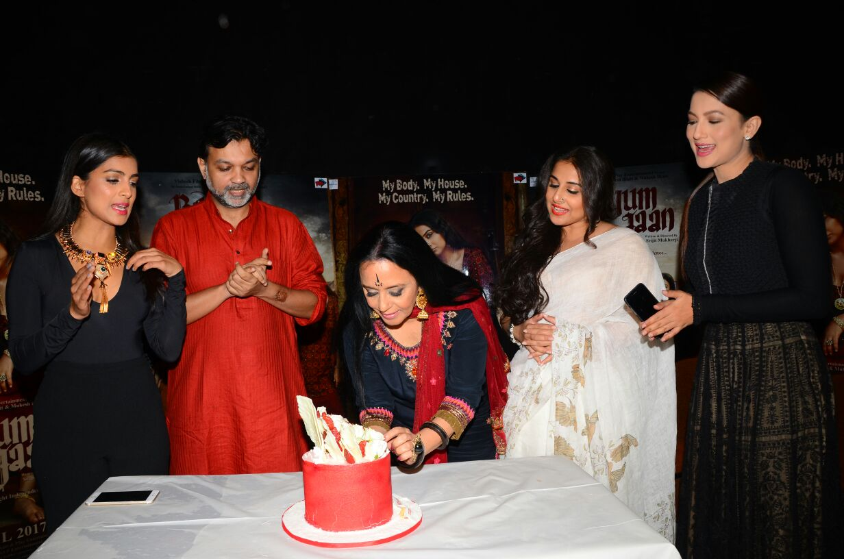 ila-arun-and-cast-of-begum-jaan-7