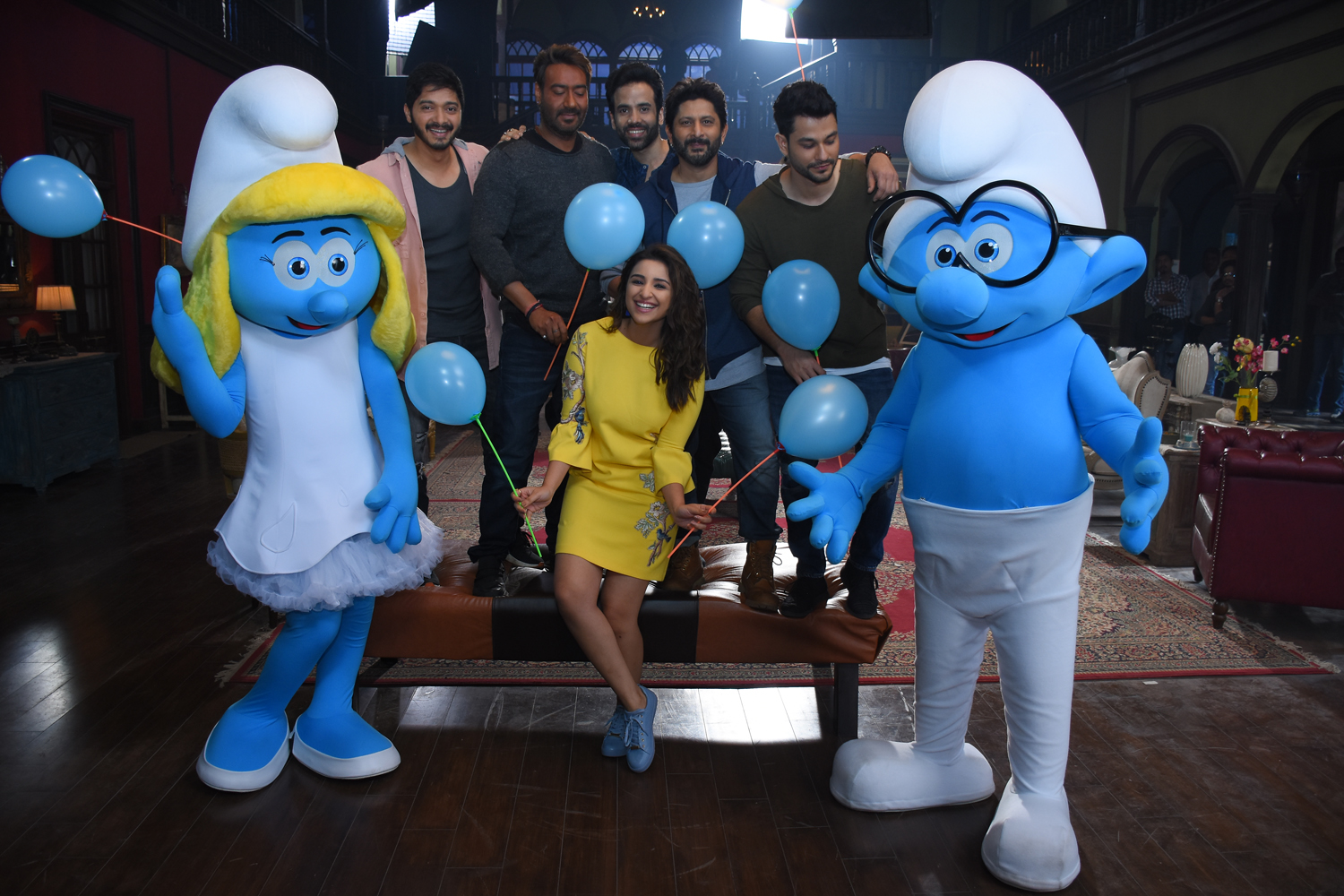 smurfs-on-the-sets-of-golmaal-again