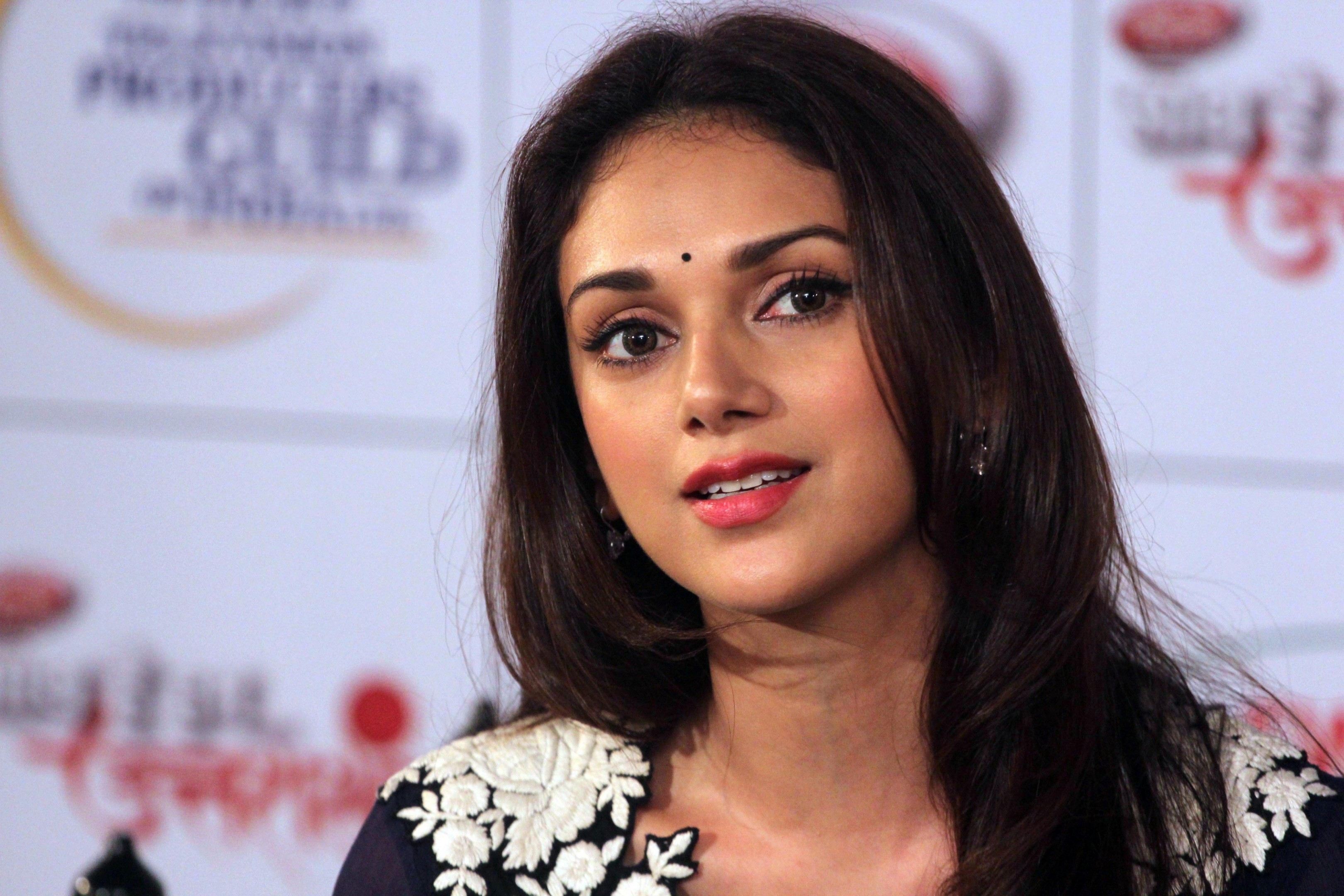 Discussion on this topic: Roopa Ganguly, aditi-rao-hydari/