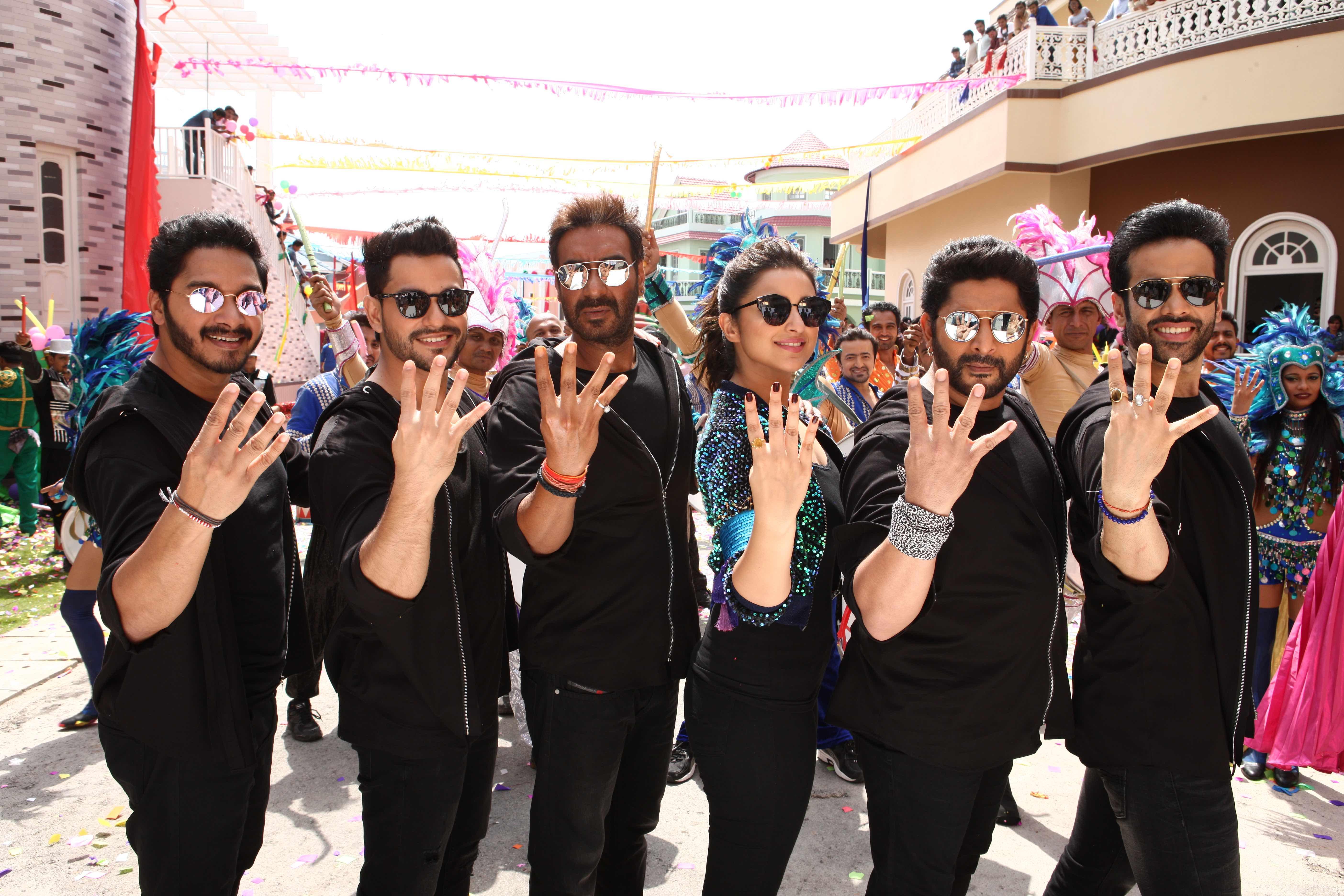 image-1-shreyas-talpade-kunal-khemmu-ajay-devgn-parineeti-chopra-arshad-warsi-and-tusshar-kapoor-photo-credit-shamim-ansari-raju
