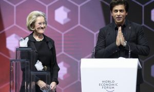 shah rukh khan receives the crystal award