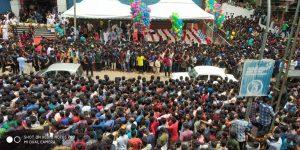 dulquer-meets-fans-in-kerala-4