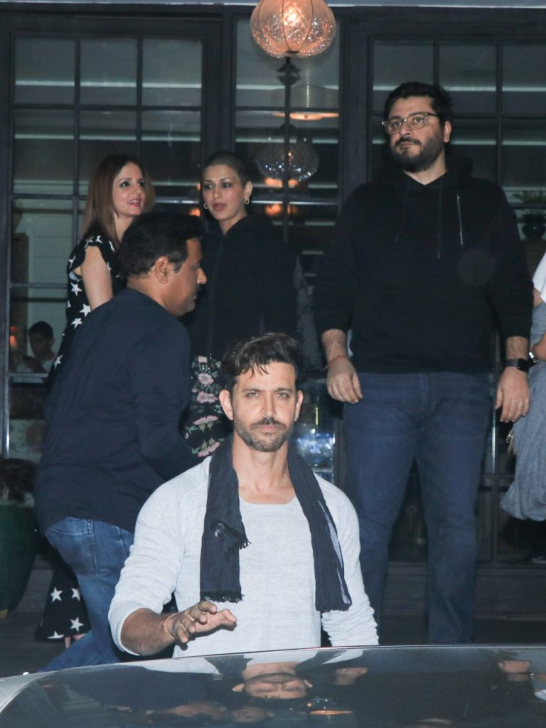 hrithik-roshan-birthday-celebration-5