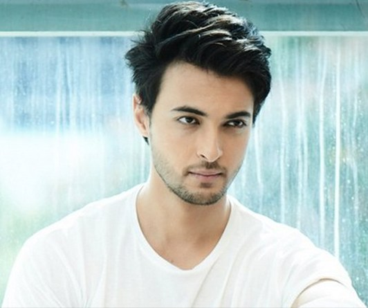 Aayush Sharma To Be Back On Silver Screen And This Time As An Army Officer