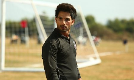 Shahid Kapoor Would Love To Romance Varun Dhawan, Had He Been An Actress