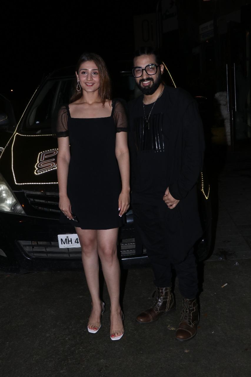 Dhvani Bhanushali And Sachet Tandon Promote Psycho Saiyaan In Style