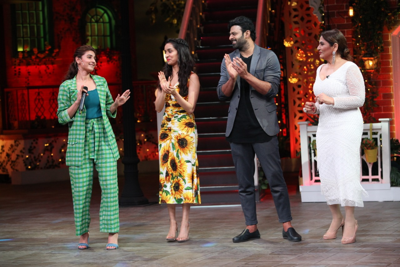 Dhvani Bhanushali Performs Psycho Saiyaan At The Kapil Sharma Show